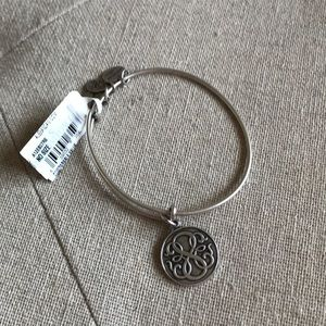 New NWT Alex and ani silver path of life bracelet